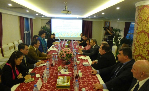 Виетнам иска да инвестира в България