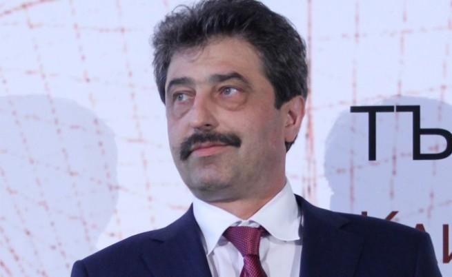 """Цветан Василев: """"Хапката """"Виваком"""" е прекалено голяма за алчната паст на Пеевски"""""""