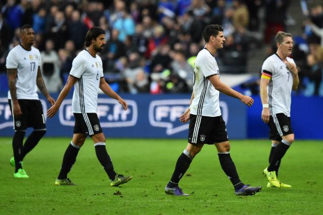 Футболистите на Германия са прекарали нощта в съблекалните