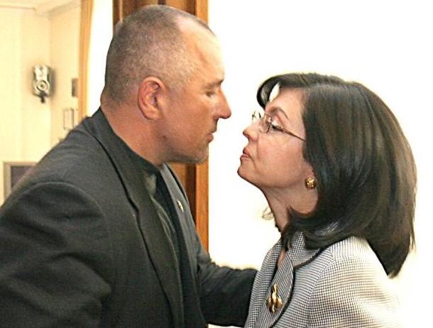 12 000 учители пътуваха за да слушат дуета Борисов – Кунева