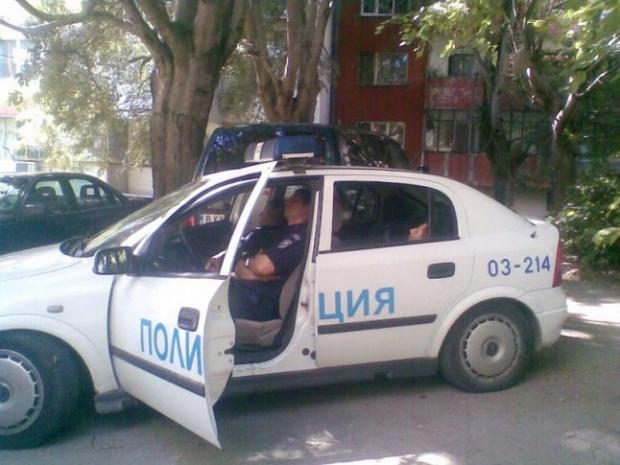 Спящ в патрулка пазител на реда осъди МВР