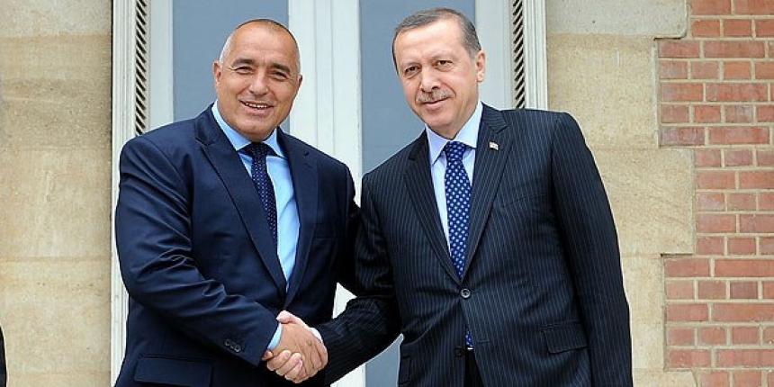 Заплашват изселниците в Турция: Без пенсии, ако не гласувате