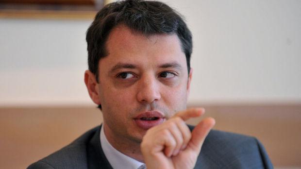 Делян Добрев напуска политиката заради скандала с Хасково