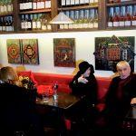 Вино барът MWAH събра софийската бохема пред творби на Милена Йоич