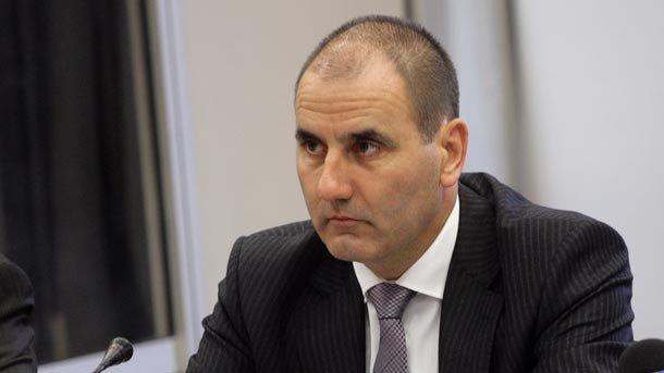 Цветанов: Не мога да коментирам лични отношения на премиера