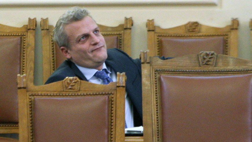 Психо тестовете върху учителите – поредното покушение на министър Москов