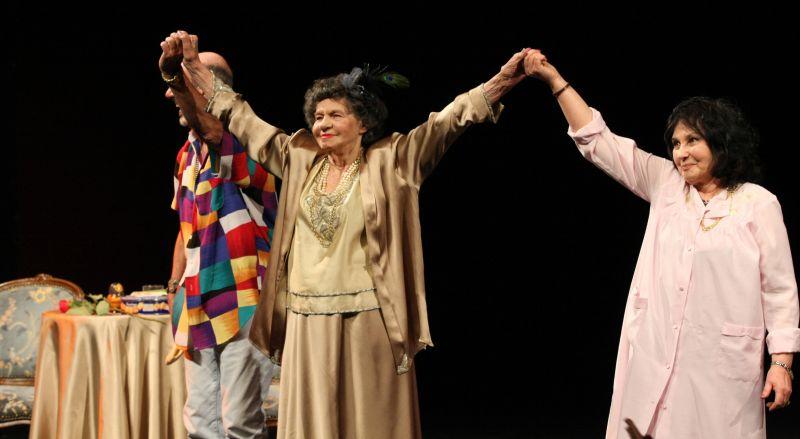 """Културният ни институт в Лондон предложи театралната легенда Стоянка Мутафова за вписване в """"Гинес"""""""