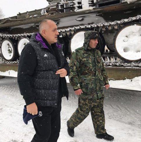 """Магистрала """"Тракия"""" е отворена след 24 часа снежна блокада"""