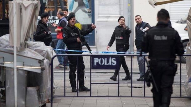 Арестувани са 10 заподозрени за експлозиите в Истанбул