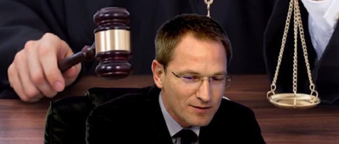 Калин Калпакчиев: Прокуратурата функционира като пирамидална, военизирана и безконтролна структура, овладееш ли главния прокурор, владееш държавата