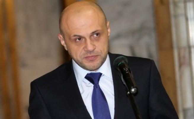 И срещу Томислав Дончев има сигнал в прокуратурата, свързан с НДК