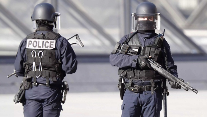 Евакуираха пазар в Бон заради подозрителен пакет