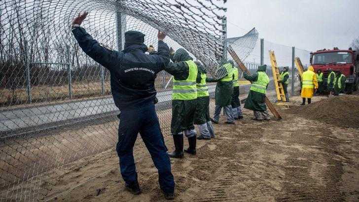 Унгария напълно затваря границите си за мигранти