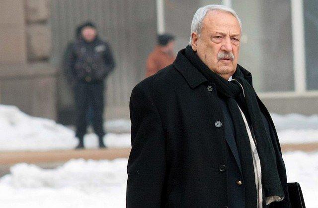 Уволниха Гарелов заради защита на Елена Йончева