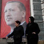 Турция замрази дипломатическите си отношения с Холандия