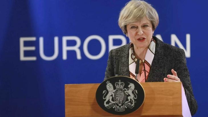 Великобритания ще ограничи свободното придвижване на европейски граждани след Брекзит