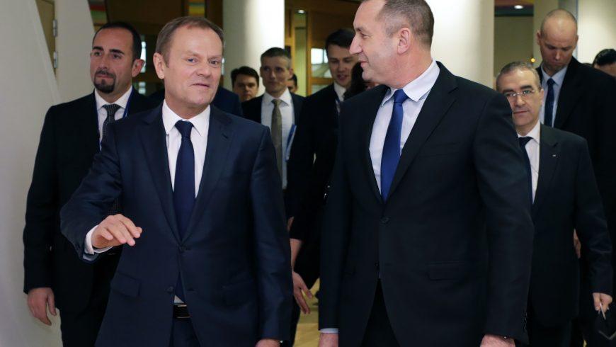 Радев в Брюксел: България прави страшно много компромиси