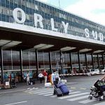 Мъж беше застрелян на летище в Париж