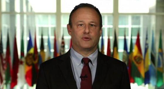 Посланикът на САЩ иска да доведе Тръмп в България