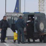 Хванаха 53 нелегални мигранти при опит да преминат Дунав мост
