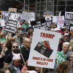 Протести в САЩ срещу отказа на Тръмп да публикува декларацята за доходите си