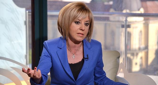 Манолова: КЕВР е обслужващ персонал на енергийните дружества