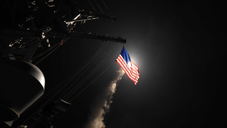 "САЩ удариха сирийска военна база с 59 ракети ""Томахоук"""