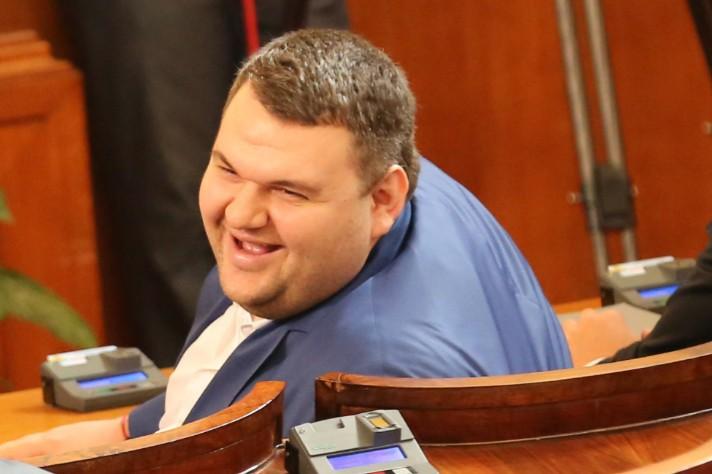 Пеевски отново ще бръкне в Булгартабак банк