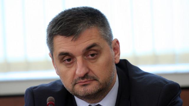 Кирил Добрев напуска Народното събрание