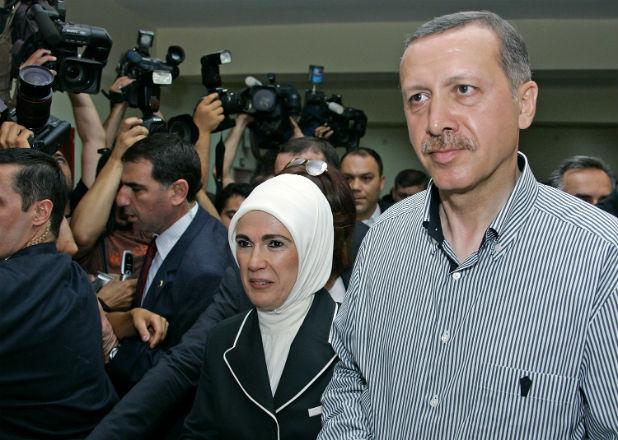 Милионите на Ердоган са от тайни сделки