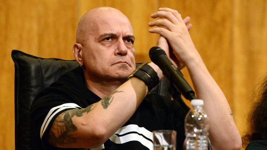 Съдът реши: Референдумът на Слави Трифонов не е задължителен