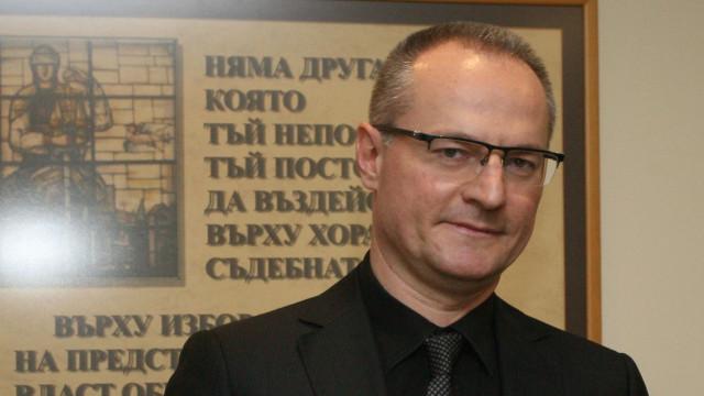 Лозан Панов се обяви за спешни законодателни промени