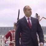 Президентът: Нека този празник споява народ и армия