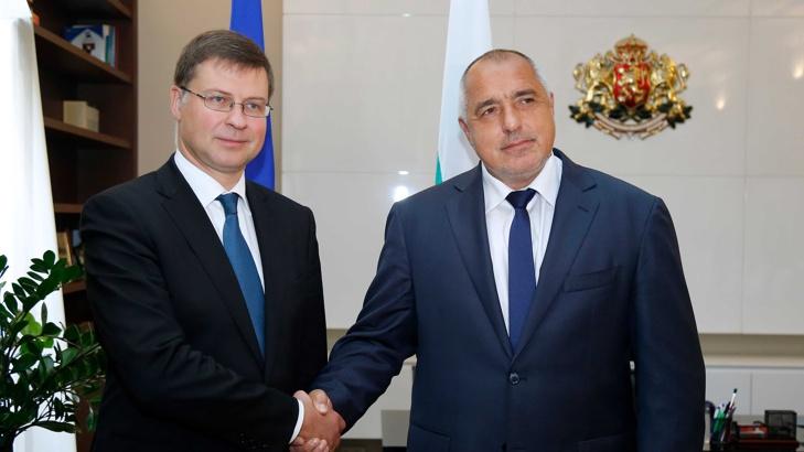 Домбровскис: България не е готова за еврозоната