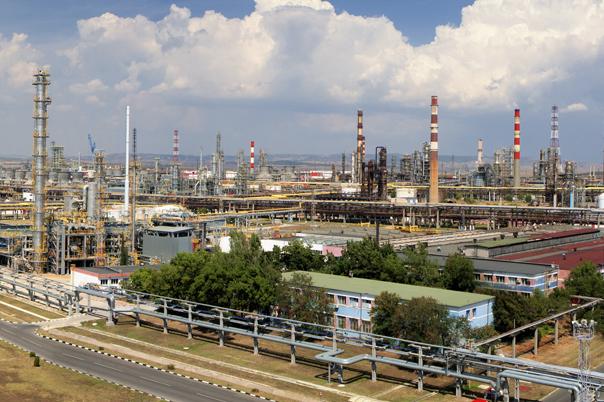 """Лyĸoйл Heфтoxим Бypгac"" ще ремонтира Poceнeц за над 50 млн. лв."