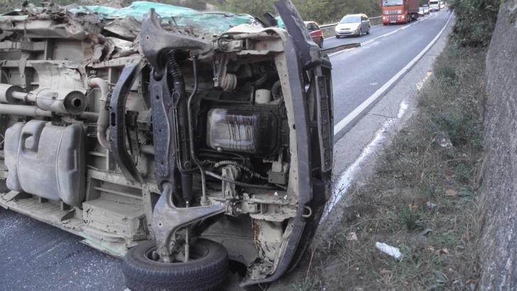 10 нелегални мигранти загинаха при катастрофа край Пазарджик