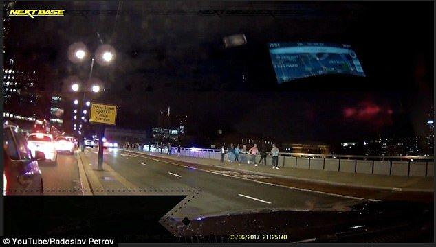Български шофьор засне хаоса на Лондон Бридж