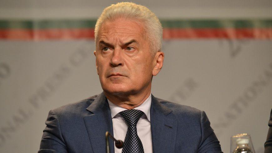 Сидеров: Срещата на Симеонов и Каракачанов с Нинова е нелегитимна