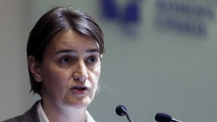 Сръбският премиер Ана Бърнабич: Белград ще избере ЕС пред Русия