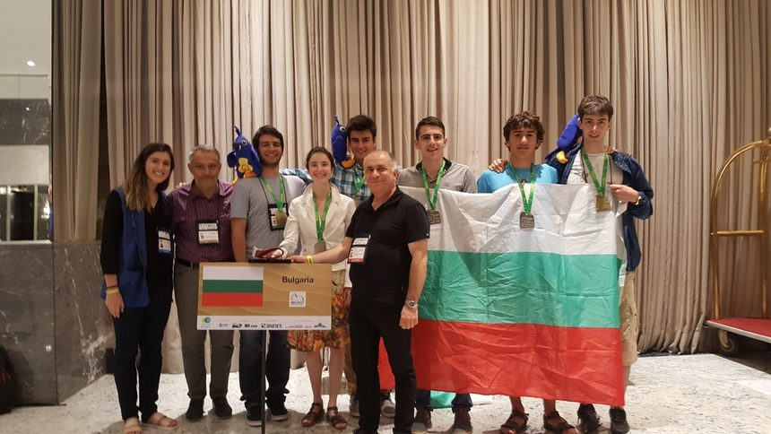 България спечели шест медала на олимпиадата по математика