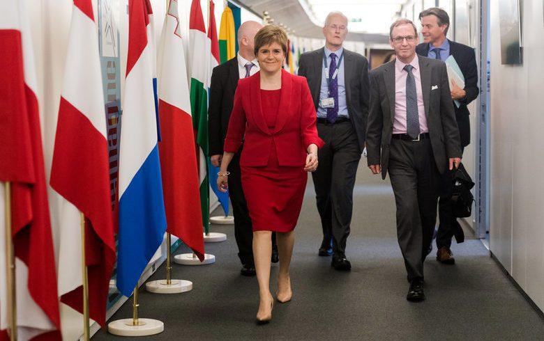 """Лейбъристкият лидер Корбин и министрите на Шотландия и Уелс поискаха """"мек"""" Брекзит"""