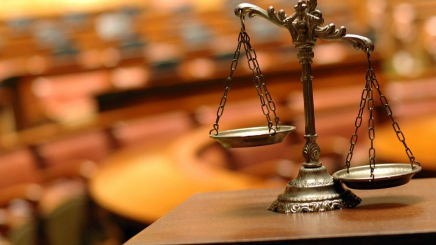 Властта орязва съдиите, те призоваха всички юристи на протест