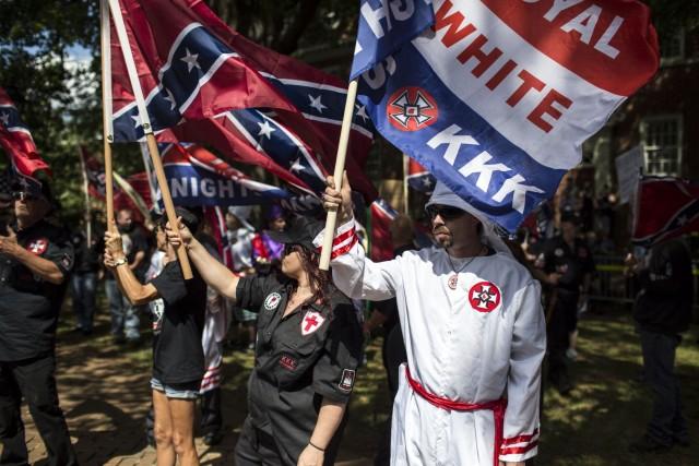 Премахване на паметник в САЩ доведе до сблъсъци на расова основа