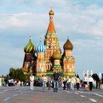 Изгонените от САЩ руски дипломати се прибраха в Москва