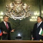 Кой се страхува от информация за срещата между Цацаров и Чайка