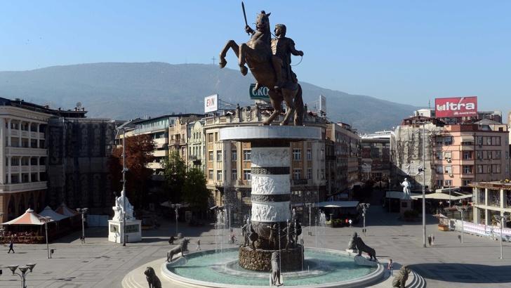 Започва демонтаж на античните скулптури от центъра на Скопие