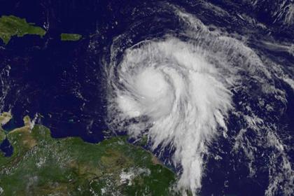 """Ураганът """"Мария"""" връхлетя Доминиканската република"""