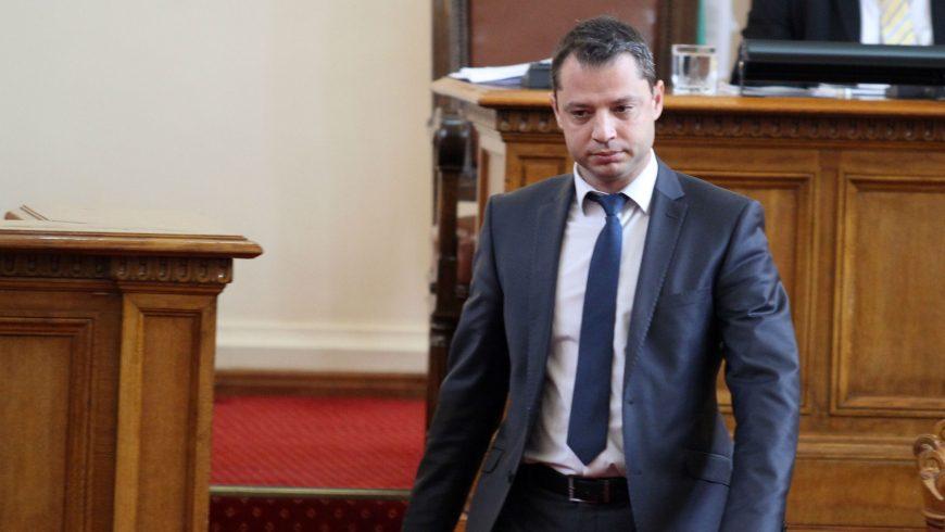 Делян Добрев остава депутат и областен координатор на ГЕРБ
