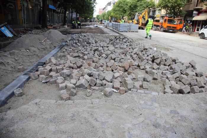 """Започва първи ремонт на ремонта на """"Дондуков"""""""