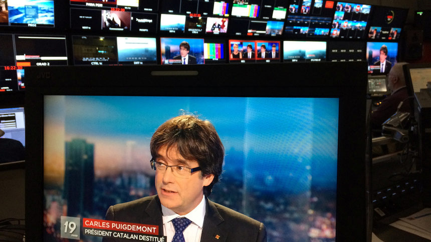 Германия ще екстрадира Пучдемон, но при обвинение в корупция